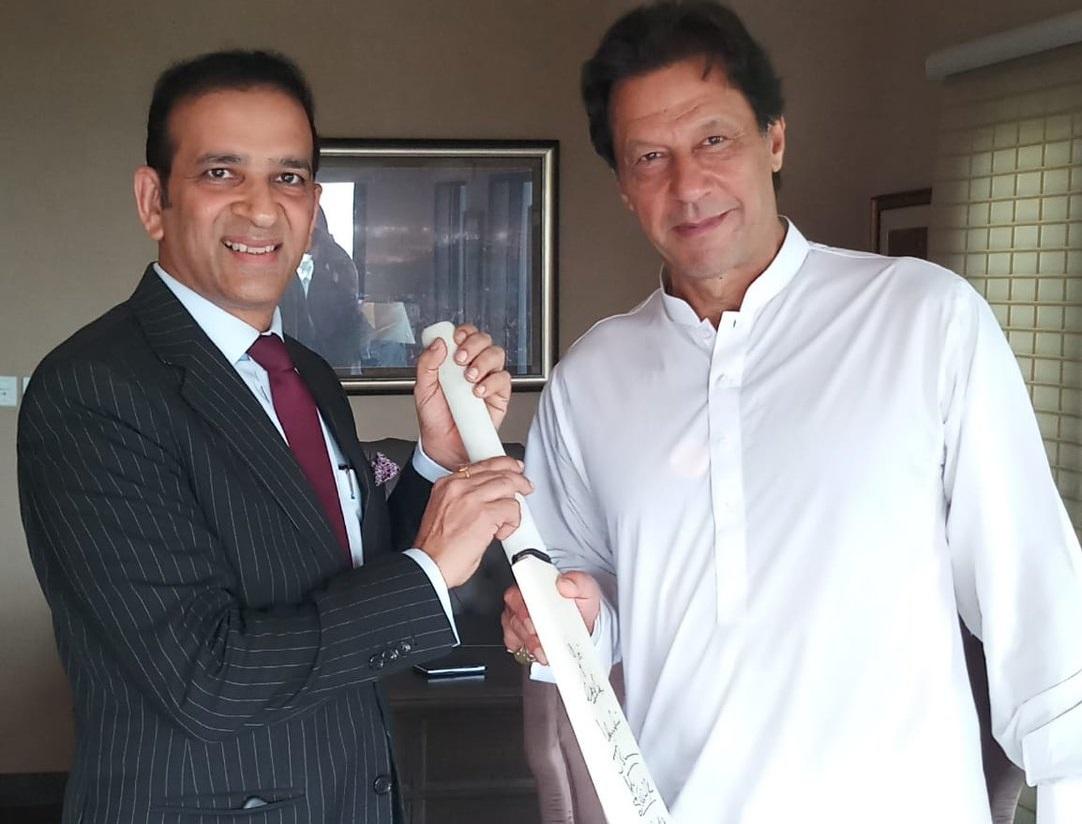 Indian, High Commissioner, called on, Pakistan, PM-designate, Imran Khan, Ajay Bisaria, World, NewsMobile, Mobile News, India