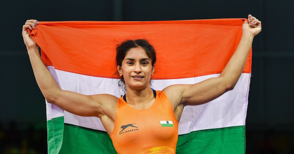 Vinesh Phogat, clinch, gold, Asian Games 2018, Jakarta, Indonesia, Sports, Wrestling, NewsMobile, Mobile News, India