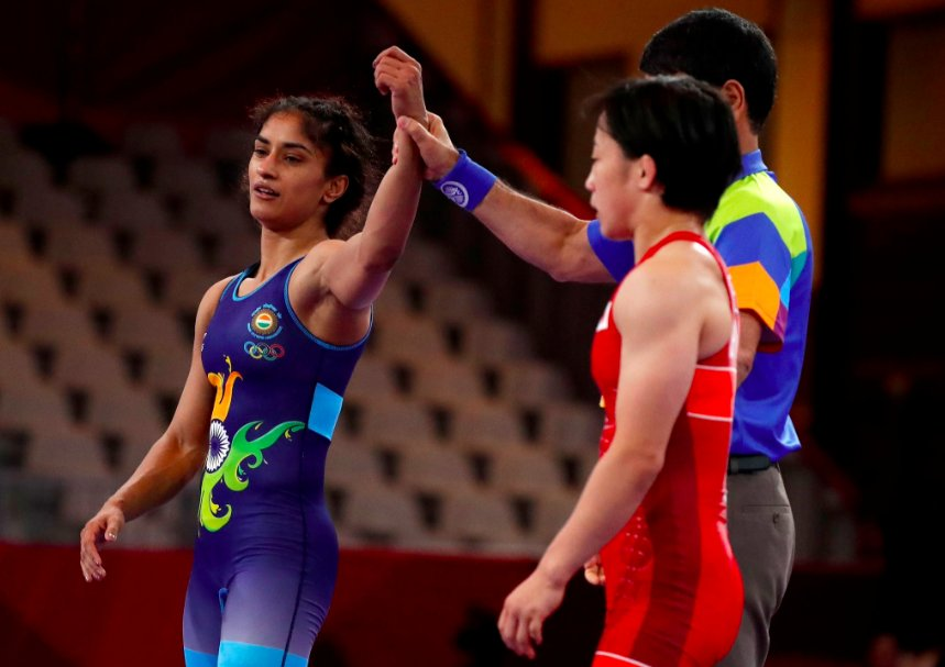 Asiad, gold, Vinesh Phogat, Olympics, Sports, Wrestling, NewsMobile, Mobile News, India