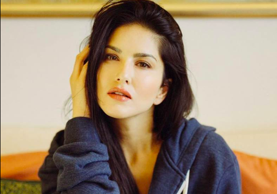 Sunny Leone, opens up, sexual, harassment, 18, NewsMobile, Mobile News, India, Entertainment