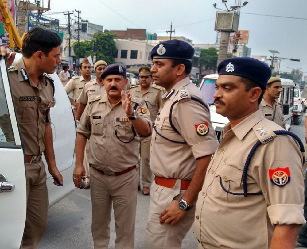 Policemen attacked in Ghaziabad, two FIRs filed