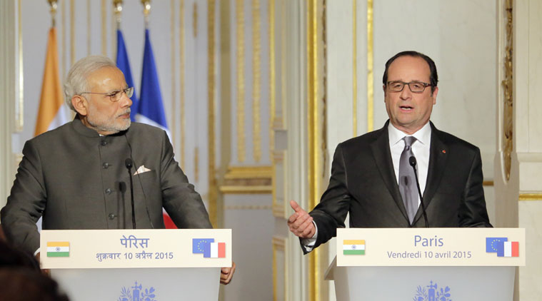 Former, French, President François Hollande, spark, controversy, Rafale deal, opposition, launch, government, NewsMobile, Mobile News, India, Reliance, Anil Ambani, Politics