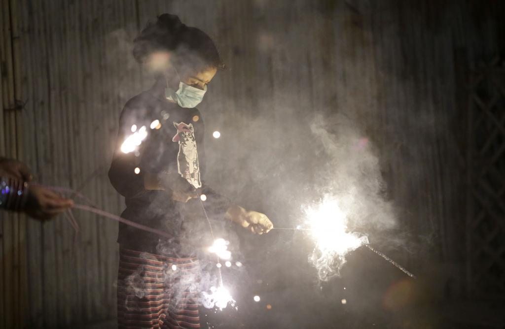 Diwali night turns into pollution nightmare for Delhi NCR