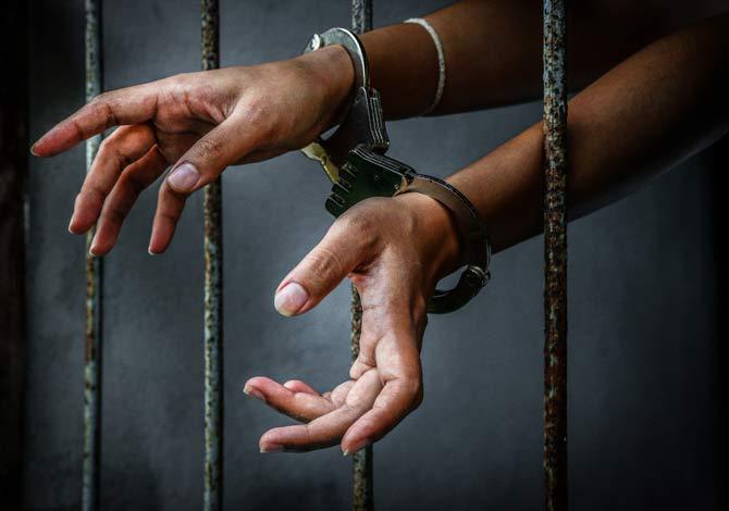 Google employee steals money for girlfriend; gets arrested