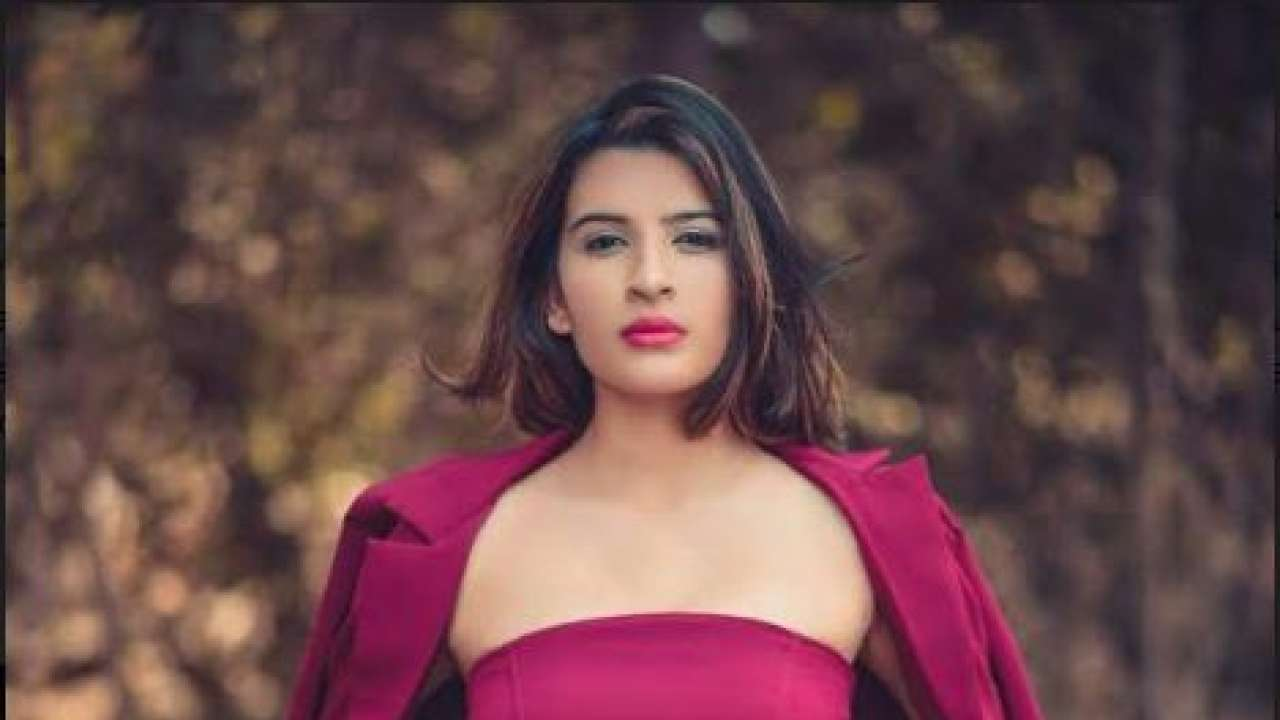 Body of 20-year-old model in Mumbai found in suitcase