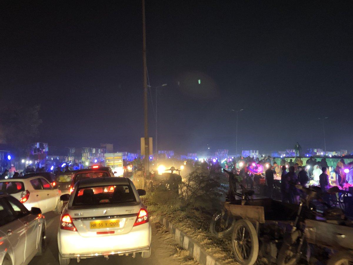 Delhi, Traffic Police, Dhaula Kuan, Gurgoan, Expressway, Aerocity, Hanuman Mandir, Mahipalpur Bypass, News Mobile, News Mobile India