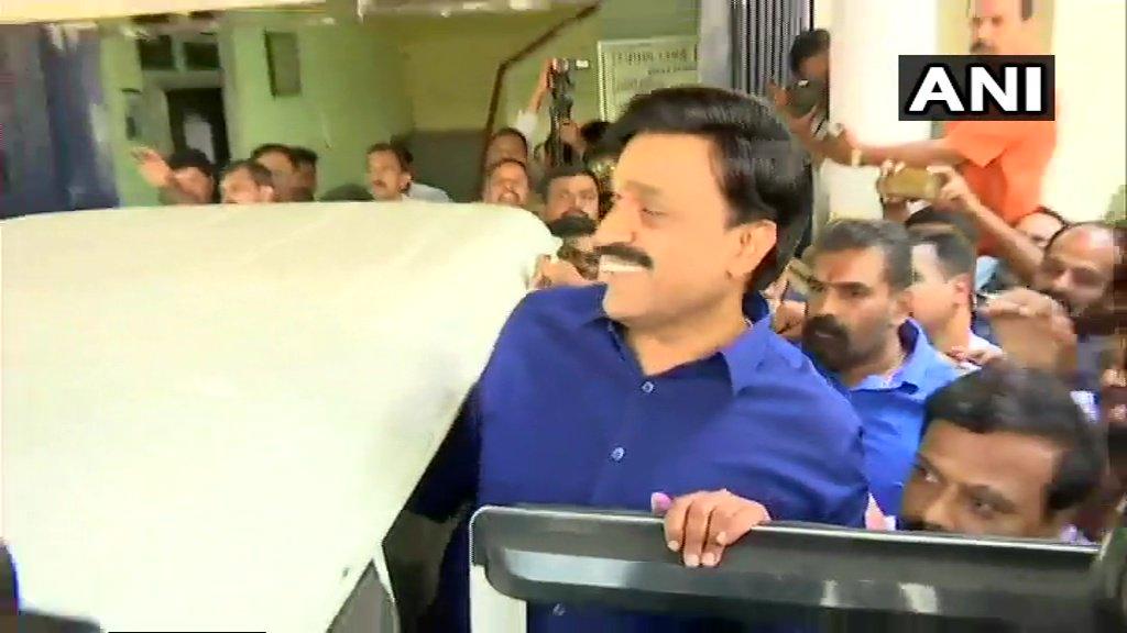 Former BJP minister, G Janardhana Reddy, Ali Khan, Ambident Group, bribery case, Central Crime Branch, Ponzi schemes, Syed Ahmed Fareed, mining baron