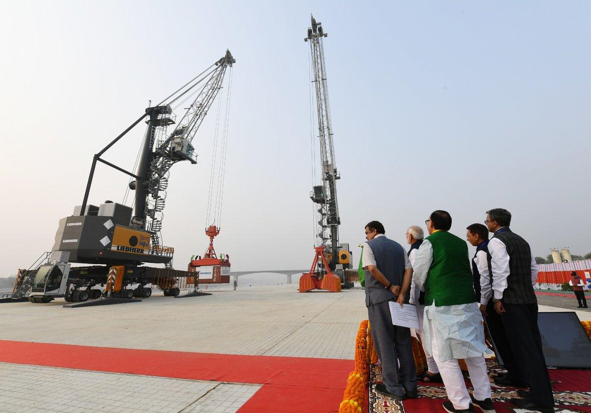 PM, Modi, Chief Minister Yogi Adityanath, Nitin Gadkari, Mahendra Nath Pandey, BJP, Varanasi, Ganga News Mobile, News Mobile India