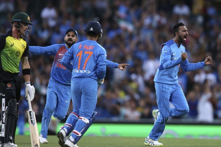 Virat Kholi, Dinesh Karthik, Shikhar Dhawan, Krunal Pandya, Cricket, T20, India, Australia, News Mobile, News Mobile India