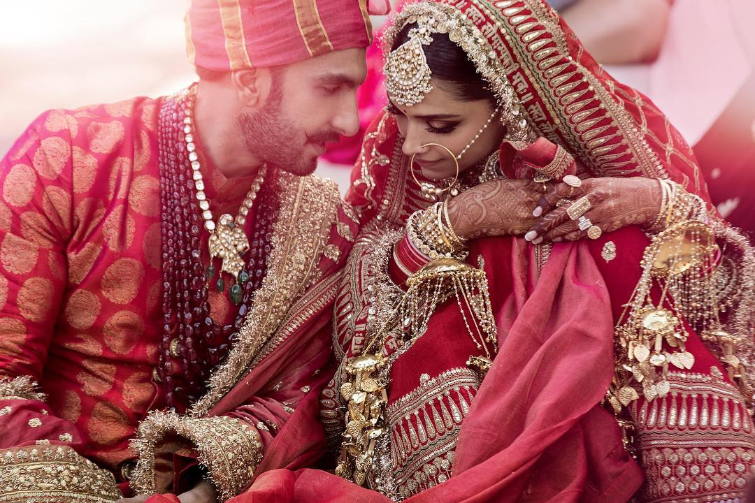 Deepika Padukone, Ranveer Singh, Wedding, Marriage, Entertainment, Sabyasachi, Lehenga, NewsMobile, Mobile, News, India