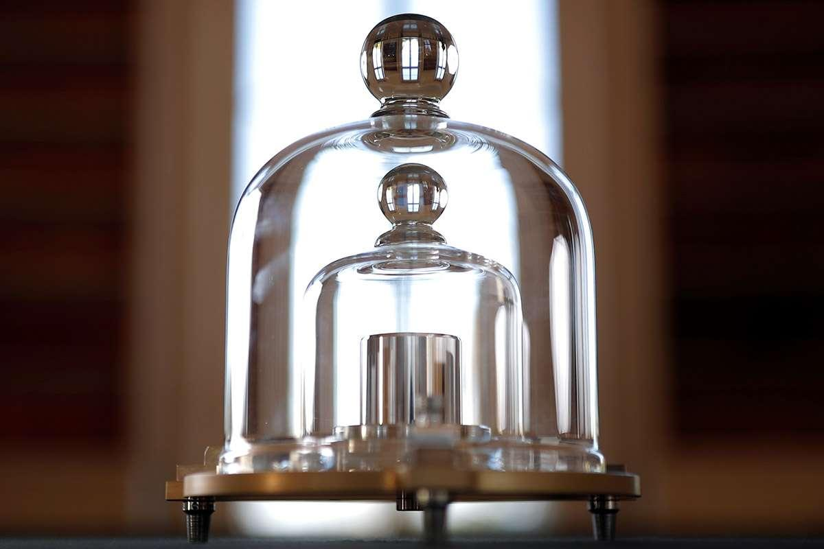 Time, change, weight, scientists, redefine, kilogram, 130 years, NewsMobile, Mobile, News, India, Education, Science