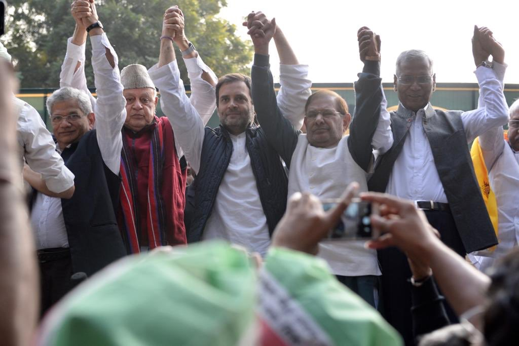 Opposition, Election 2019, Rahul Gandhi, Farooq Abdullah, Arvind Kejriwal, Farmer, Protest, NewsMobile, Mobile, News, India