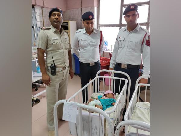 Traffic policemen save newborn girl in Delhi