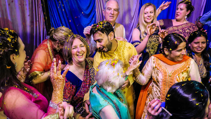 Inviting foreigners to your wedding in India: Is it a new trend?
