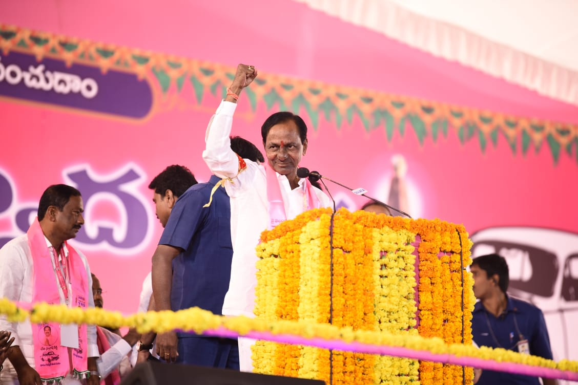 K Chandrashekar Rao, Swear in, Chief Minister, Second Term, Telangana, Party, TRS, Politics, NewsMobile, News, Mobile, India
