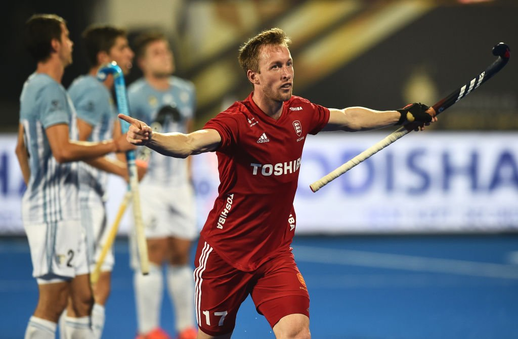 Hockey, World Cup, England, Argentina, 3-2, semis final, Sports, NewsMobile, Mobile, News, India