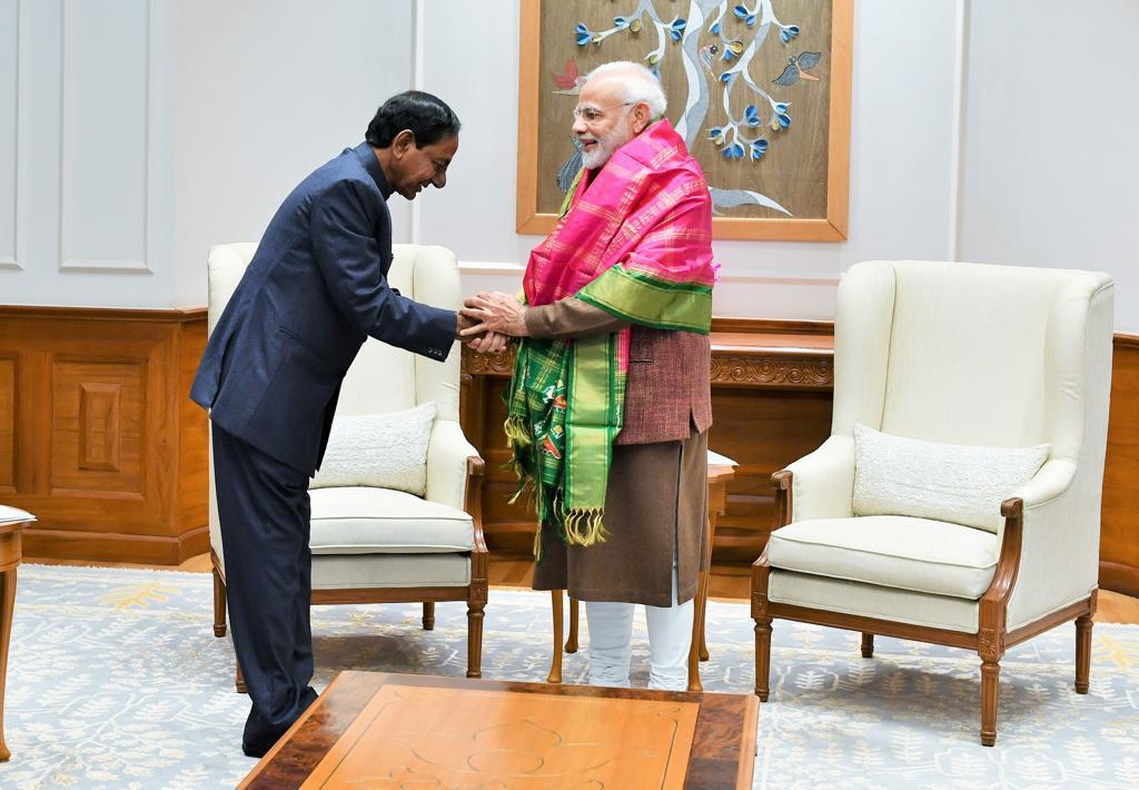 Telangana, Chief Minister, K Chandrashekar Rao, meet, PM Modi, Prime Minister, Narendra Modi, NewsMobile, Mobile, News, India