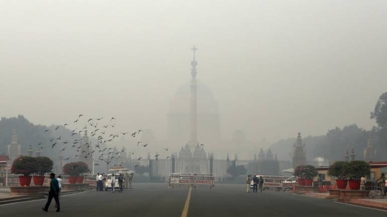 NewsMobile Pollution Watch: Gurugram's AQI continues to stay at 'poor'