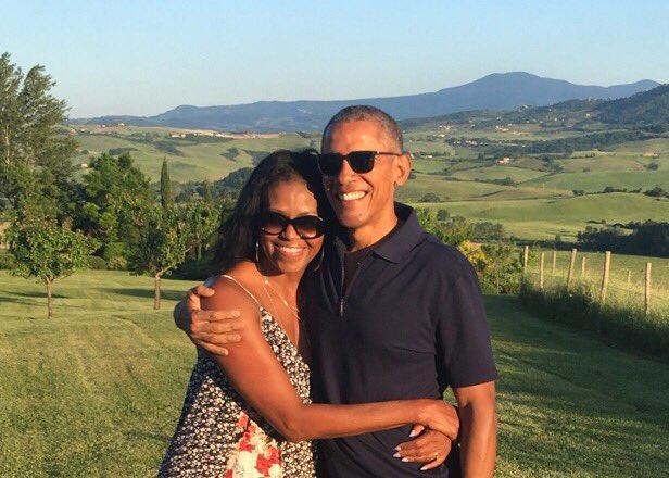 Barack Obama, Michelle Obama, setting, serious, relationship, goals, NewsMobile, Mobile, News, India, World