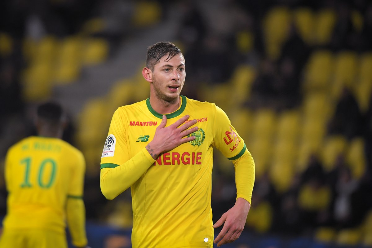 Cardiff City, Emiliano Sala, Missing, Flight, English Channel, News Mobile, News Mobile India