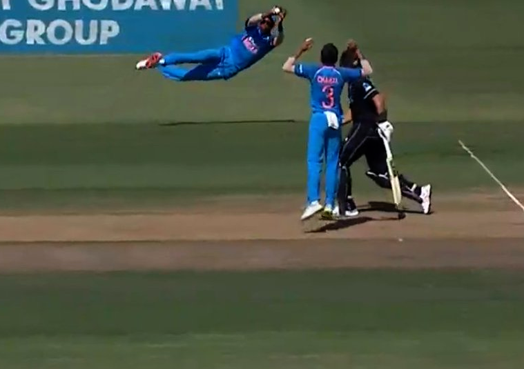 Hardik Pandya, Catch, Spiderman, Catch, Stunner, SPorts, Cricket, New Zealand, Kane Williamson, NewsMobile, Mobile, News, India