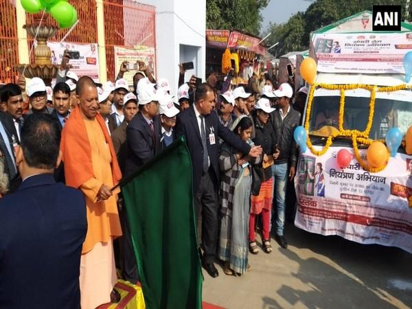 Sarthi Sandesh Vahini, CM, Yogi Adityanath, Flagged, Campaign, Gorakhpur, Encephalitis, News Mobile, News Mobile India