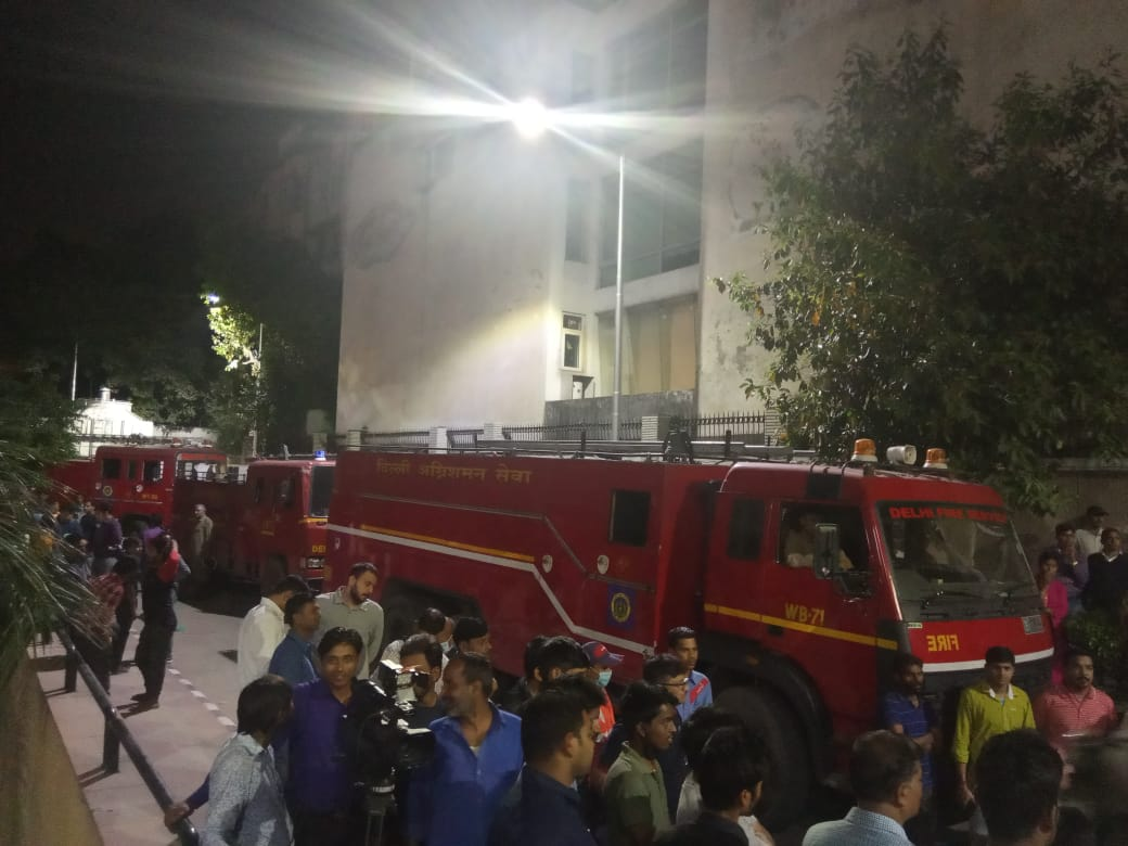 Delhi, AIIMS, Fire, News Mobile, News Mobile India