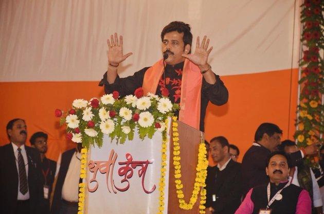 Ravi Kishan, Gorakhpur, Uttar Pradesh, Bhojpuri Actor, Sanjay Nishad, Lok Sabha Elections 2019, News Mobile, News Mobile India