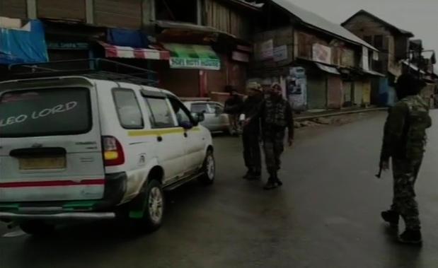 Anantnag, Hizbul Mujahideen, Two, Terrorists, Neutralised, Killed, Jammu and Kashmir, Indian Army, India, NewsMobile, Mobile, News