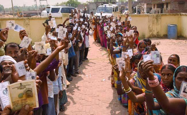 Haryana, Uttar Pradesh, Delhi, West Bengal, Madhya Pradesh, Lok Sabha Elections 2019, LS Polls, Narendra Singh Tomar, Ram Niwas Rawat, Jyotiraditya Scindia, K.P. Yadav, Digvijay Singh, Sadhvi Pragya. Maneka Gandhi, Sanjay Singh, Rita Bahugana Joshi, Rajendra Pratap Singh, Yogesh Shukla, Akilesh Yadav, Dinesh Lal Yadav, 2019 Elections, Phase 6, News Mobile, News Mobile India