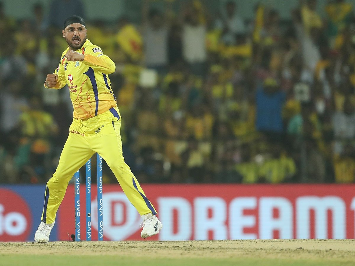 Harbhajan Singh, Chennai Super Kings, 150 Wickets, IPL, 2019, News Mobile, News Mobile India