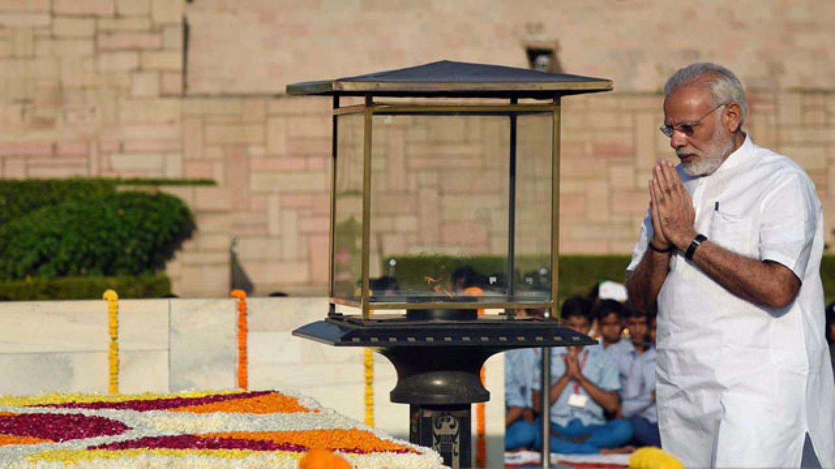 Prime Minister, Narendra Modi, India, Raj Ghat, Mahatama Gandhi, Atal Bihari Vajpayee, NewsMobile, Mobile, News, India