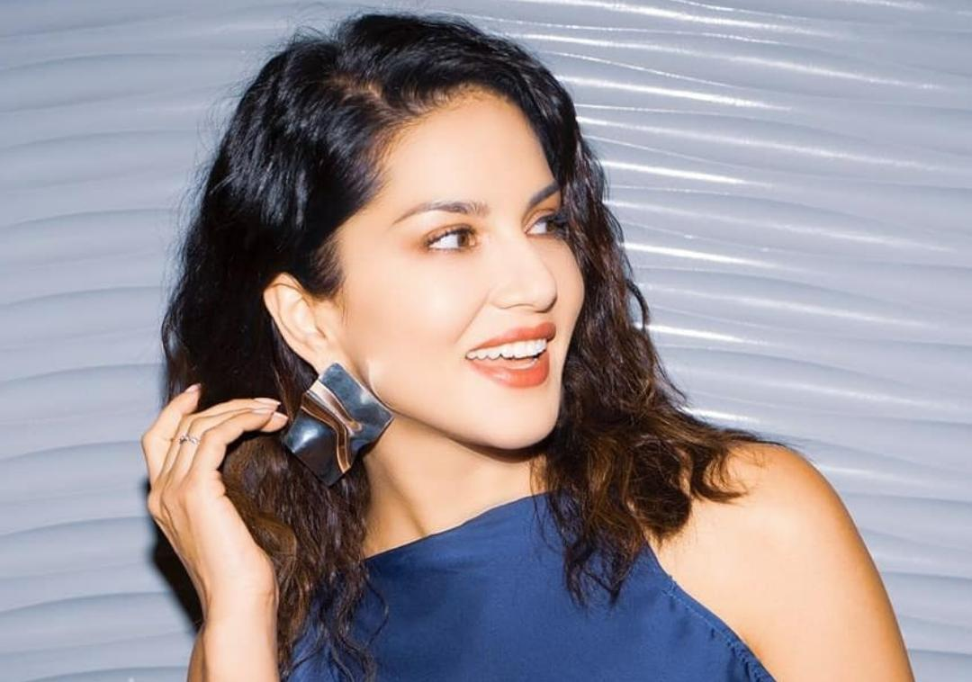 Sunny Leone, Birthday, 35, News Mobile, News Mobile India