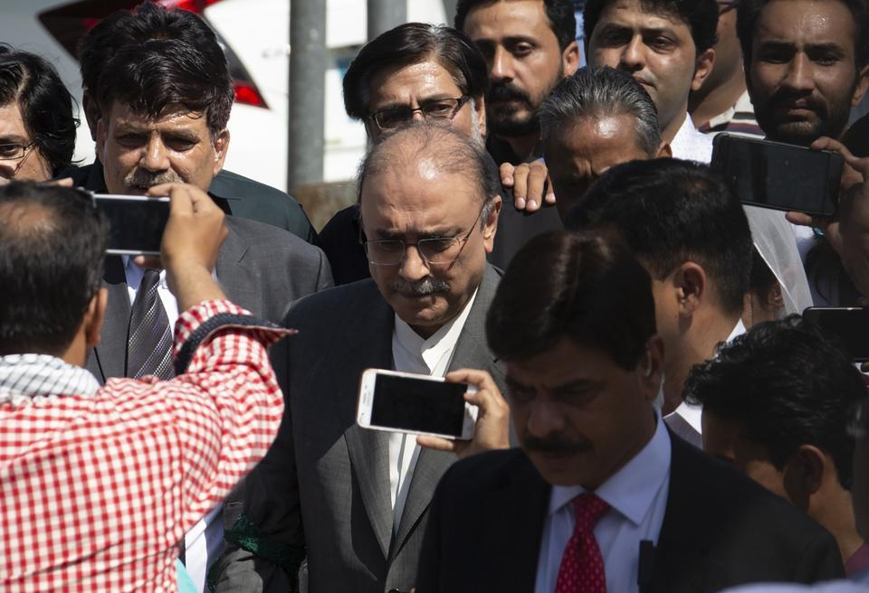 Asif Ali Zardari, 10 day, Remand, Islamabad, Money Laundering, NewsMobile, Mobile, News, India, Pakistan, President