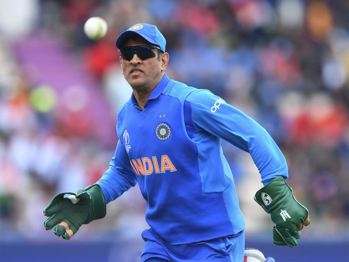 MS Dhoni, BCCI, ICC, Balidaan Badge, Cricket World Cup 2019, News Mobile, News Mobile India