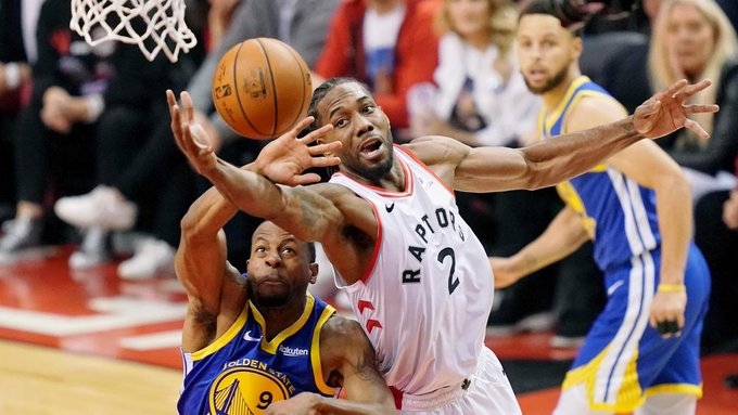 Stephen Curry, Klay Thompson, Serge Ibaka, Golden State Warriors, Toronto Raptors. NBA Playoffs, NBA Finals, News Mobile, News Mobile India