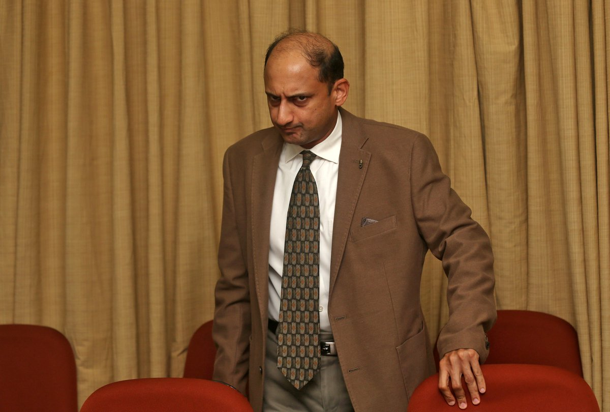 Viral Acharya, RBI, Reserve bank of India, Deputy, Governor, NewsMobile Power Buzz, Resign, Business, Newsmobile, Mobile, News