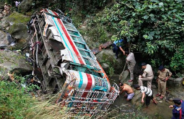 jharkhand, bus, 6die, 43 injured, newsmobile, newsmobileindia