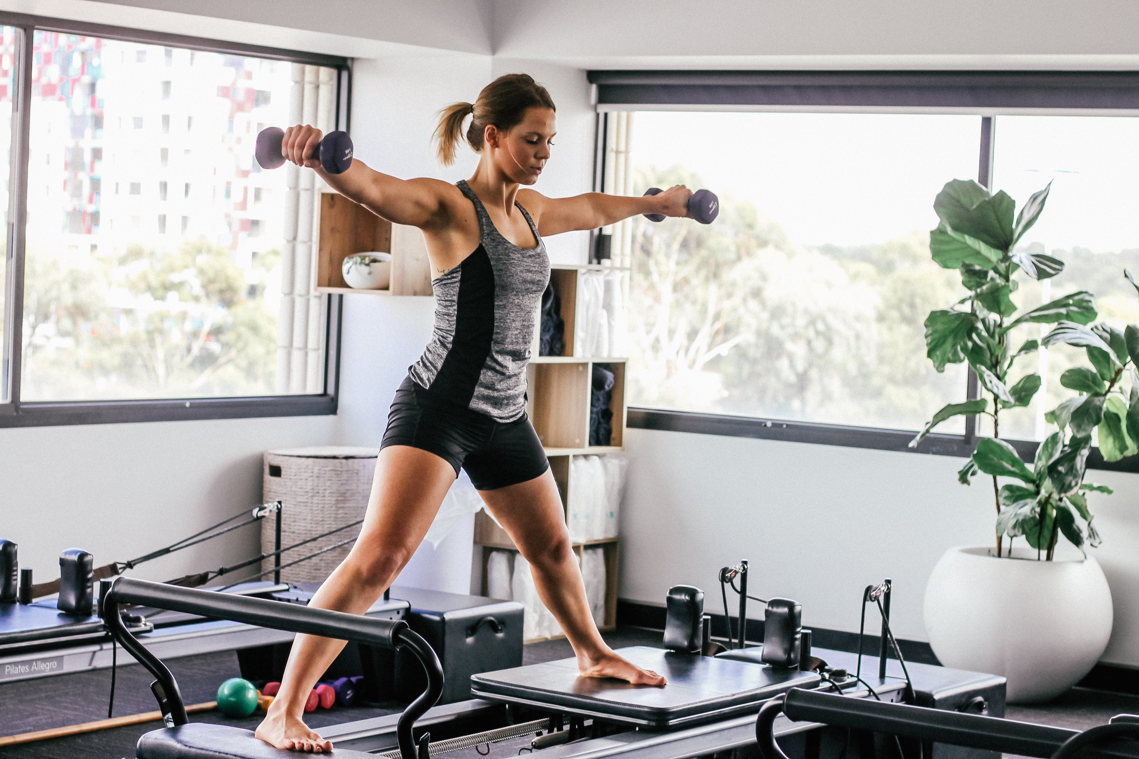 How To Decide If Yoga Or Pilates Is Better For Your Body Newsmobile