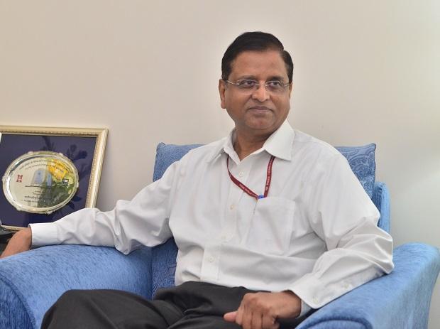 Finance Secy, S C Garg, Atanu Chakraborty, Eco Affairs, News Mobile, News Mobile India