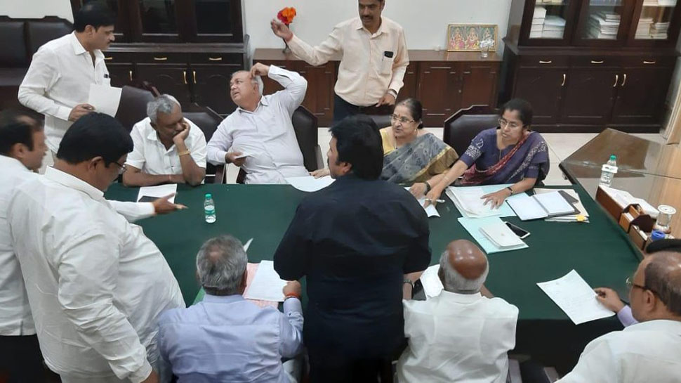 Karnatak Crisis, Karnataka Politics, Janta Dal Secular, Indian National Congress, Coalition, News Mobile, News Mobile India