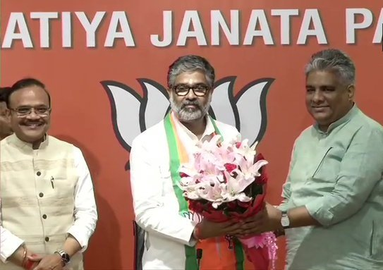 Neeraj Shekhar, Prime Minister Chandra Shekhar, BJP, Bhupendra Yadav, Anil Jain, Samajwadi Party, News Mobile, News Mobile India