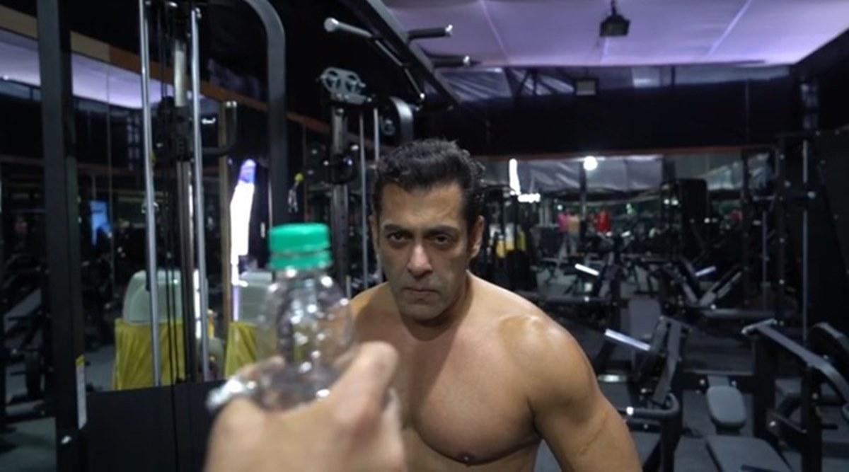 bottle cap challenge, Dabangg, Salman Khan, Trend, NewsMoble, Mobile, News, India, Entertainment