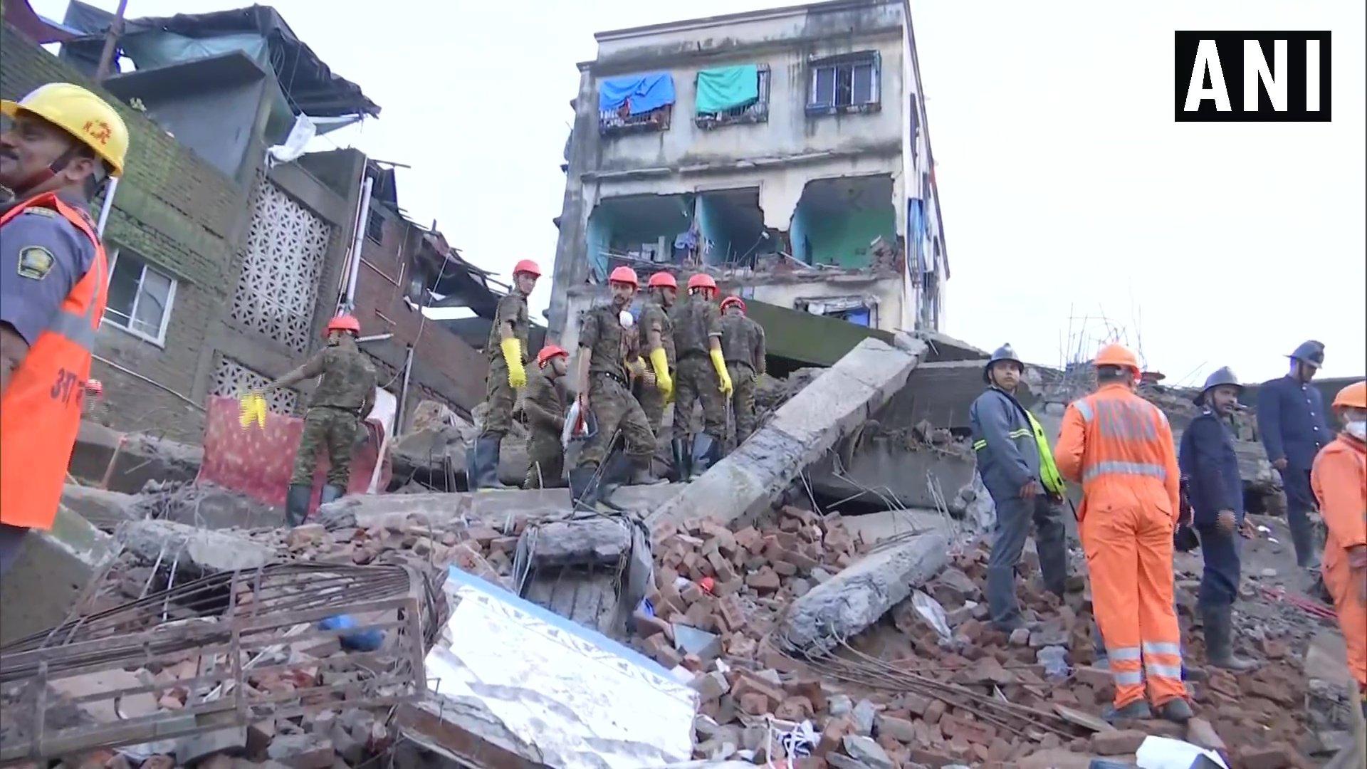 Bhiwandi, Two Dead, Rescue, Mumbai, Maharashtra, NewsMobile, Mobile, News, India