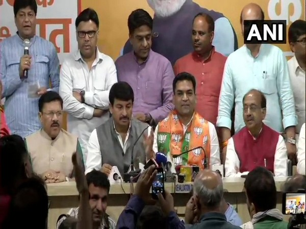 AAP, MLA Kapil Mishra, BJP, Manpj Tiwari, News Mobile, News Mobile India