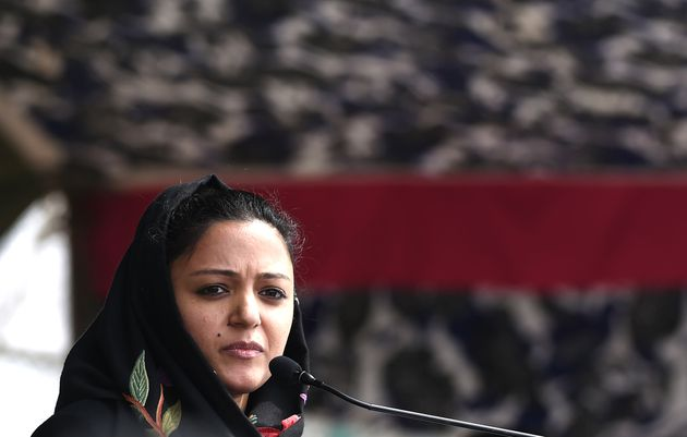 Shehla Rashid, Jammu and Kashmir, Article 370, Situation, Kashmir, Indian Army, Army, NewsMobile, News, Mobile, India, Fact Check, Fact Checker, FAKE