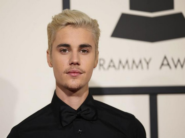 Justin Bieber, Hollywood, NewsMobile NewsMobile India
