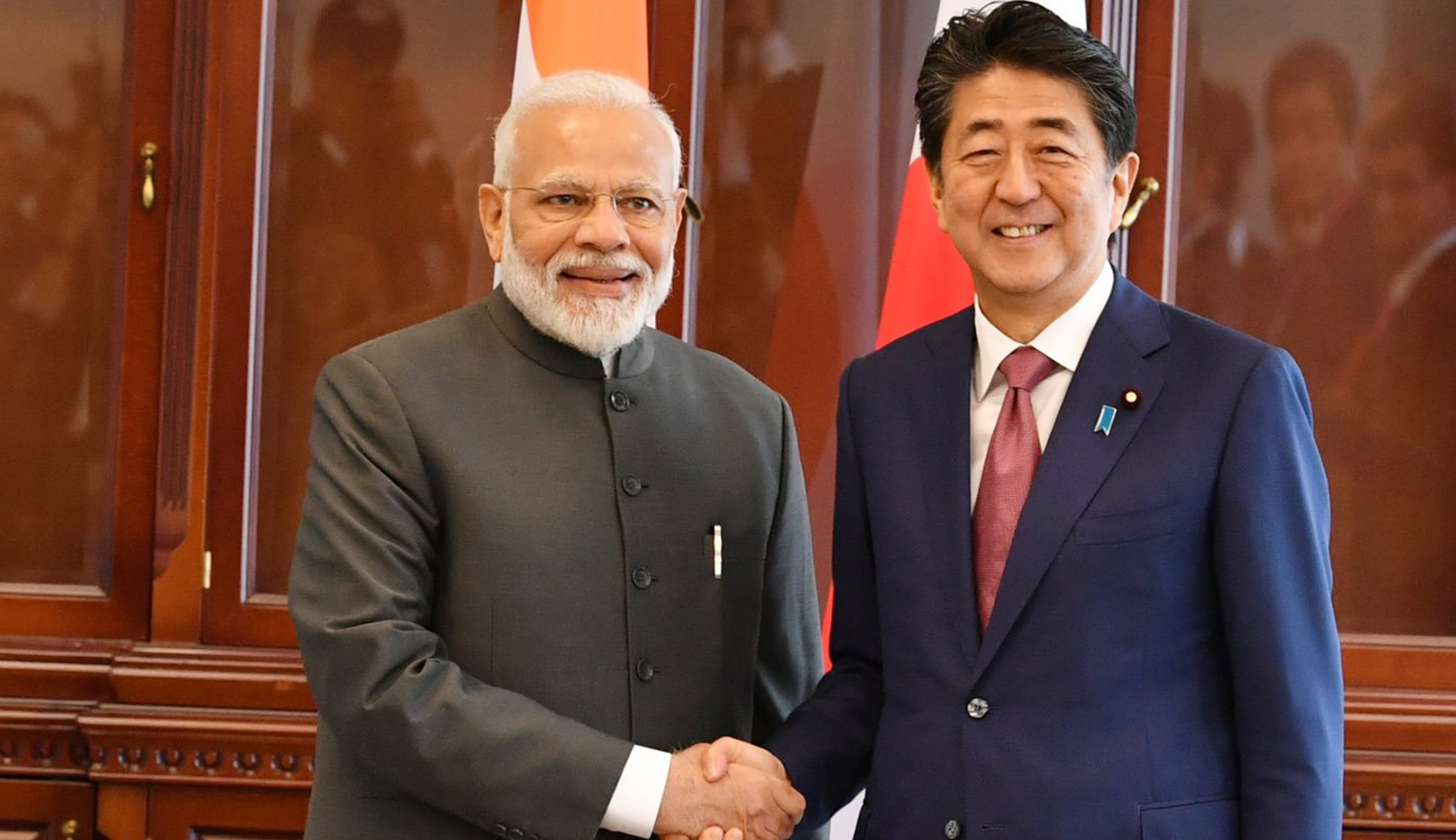 Prime Minister, Narendra Modi, Shinzo Abe, Japan, Vladivostok, Russia, NewsMobile, Mobile, news, India, World