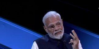 PM Narendra Modi, Governing Policy, NewsMobile, NewsMobile India, 2020,