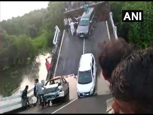 Gujarat, Junagadh, Bridge Collapse, NewsMobile, NewsMobile India